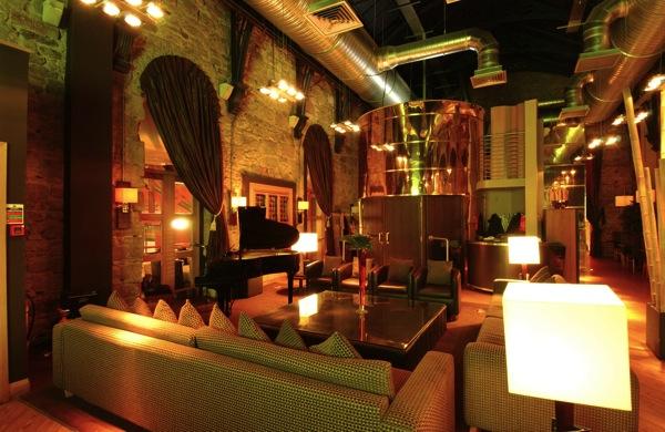 Metropolitan Cocktail Bar Restaurant